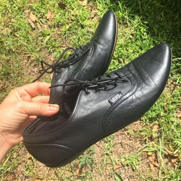 VANS Sophie Oxford Saddle Shoe Sporty & Refined!